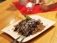 Maronireis mit Schokoladensauce & Schlagobers